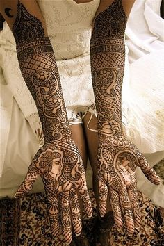 A gorgeous tradition in Indian/Muslim culture to beautify a bride pre-wedding. Sometimes words or initials are hidden for the groom to have fun searching out.