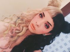 Melanie Martinez, I love it when she does this with her hair