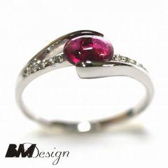 Pierścionekz zróżowym turmalinem Rzeszów pierścionek zaręczynowy