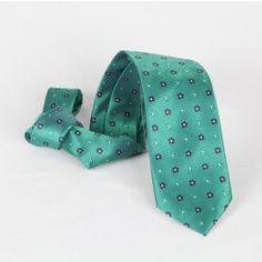 Corbata Verde Flores Azules Tie, Fashion, Blue Flowers, Blue Nails, Green Tie, Fall Winter 2014, Ties, Moda, Fashion Styles