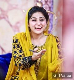 the morning show with sanam baloch arynews tv. sanam baloch ary morning show eyes style hair pics pictures photos images dress body cute beautiful actress shalwar kameez host model tv arynews. Morning Show, Pakistani Actress, Shalwar Kameez, Dress First, Yellow Dress, Beautiful Actresses, Sari, Actors, Suits