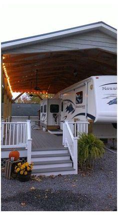 Rangement Caravaning, Astuces Camping-car, Trailer Deck, Rv Carports, Rv Homes, Casas Containers, Rv Storage, Camper Makeover, Camper Renovation