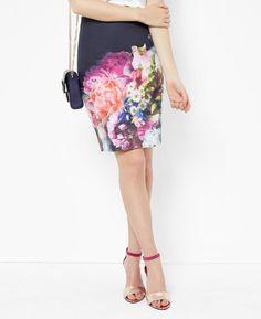 Focus Bouquet pencil skirt
