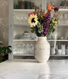 @fartilfirepiger Dining Table, Vase, Instagram, Home Decor, Dinning Table, Interior Design, Dining Rooms, Vases, Home Interior Design