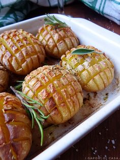Patate a scacchiera I Love Food, A Food, Food And Drink, My Favorite Food, Favorite Recipes, How To Cook Potatoes, Cooking Recipes, Healthy Recipes, Barbecue Recipes