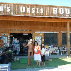 Reader's Oasis Books - Quartzsite, AZ, United States. da girls w/ the famous Paul... nice guy, really!