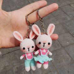 Bunny couple love keychain free pattern