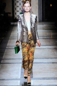 Dries Van Noten Spring 2010 Ready-to-Wear Collection - Vogue