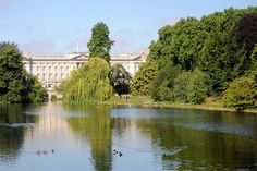 London Photo of the Week: Buckingham Palace from St James's Park on http://blog.visitlondon.com