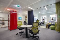 Resonate Interiors were engaged by global management company, AT Kearney, to design their offices located in London, England. Resonate were fortunate Workplace Design, Management Company, Offices, London, Interior, Table, Furniture, Photos, Home Decor