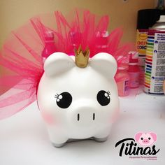 alcancias personalizadas - Buscar con Google Diy And Crafts, Crafts For Kids, Money Box, Little Pigs, Paper Mache, Piggy Bank, Ideas Para, Decoupage, Barbie