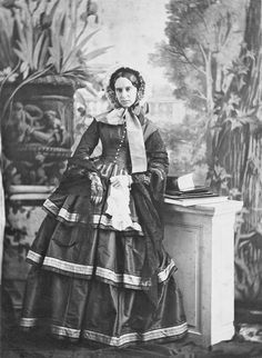 1850s Fashion, Edwardian Fashion, Vintage Fashion, Victorian Women, Victorian Era, Historical Costume, Historical Photos, Vintage Photographs, Vintage Photos