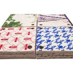 Los cuadrados de fieltro Armando están diseñados para crear, decorar y jugar en la mesa. Son versátiles y tienen múltiples aplicaciones. Pueden usarse como posapavas, apoya-fuentes, individuales, caminos de mesa.