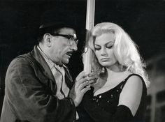 Still of Anita Ekberg and Peppino De Filippo in Boccaccio '70 (1962)