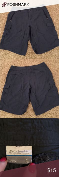 Columbia hiking shorts In excellent condition Columbia Shorts