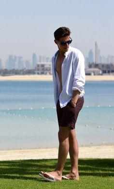 Hot Men, Hot Guys, Barefoot Men, Mens Flip Flops, Gorgeous Feet, Male Feet, Summer Looks, Flip Flop Sandals, Panama Hat