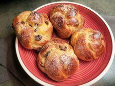 Kardinalschnitte - Bine kocht! Avocado, Bagel, Muffin, Bread, Diet, Breakfast, Desserts, Cranberries, Food