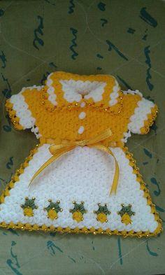 Lif Crochet Kitchen, African Fashion, Crochet Earrings, Crochet Hats, Fabric, Tejidos, Knitting Hats, Tejido, Tela