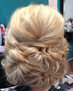 Bridal Updo by Tammy Drexler Kubenka. She used Kenra Platinum Hot Spray 20 and Kenra Volume Spray 25.| Bridal Hair Inspiration. Kenra Professional
