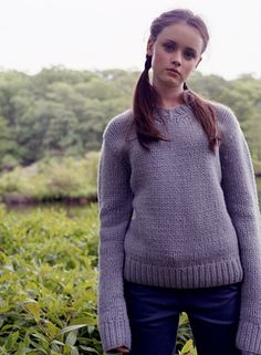 Alexis Bledel (Rory Gilmore): She makes every outfit adorable! I love the exra long sleeves. Estilo Rory Gilmore, Rory Gilmore Style, Lorelai Gilmore, Gilmore Girls Fashion, Glimore Girls, Girl Outfits, Cute Outfits, Alexis Bledel, Hollywood Celebrities