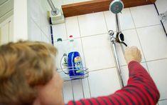 Vidunderblanding til ren brusekabine Good Advice, Cleaning Hacks, Life Hacks, Household, Home Appliances, Tips, Journaling, Drop, Bathroom