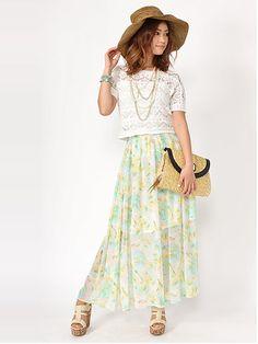 花柄マキシ丈スカートは欠かせない!かわいい夏服コーデのアイデア