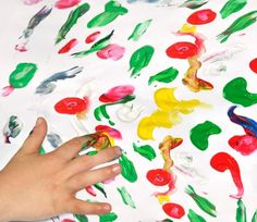 Fingerspiel über Farben