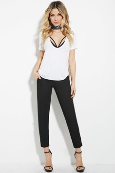 PEDIDOS SOLO POR ENCARGO Código: F-69 Cropped Trousers Color: Black Talla: XS-S-M-L Precio: ₡21.500 ($39,11) Información y consulta whatsapp 8963-3317, escribir al inbox o maya.boutique@hotmail.com. Envíos a todo el país.