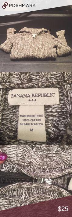 Gray &white Banana Republic size M zip up sweater Gray &white Banana Republic size M zip up sweater Banana Republic Sweaters