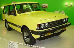 Monteverdi Safari prototype, 1976 A complete redesigned car was the more expensive Safari. Automobile, Colani, International Scout, Monteverde, Motorcycle Bike, Car Manufacturers, Car Stuff, Concept Cars, Offroad
