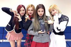 so perfect HOW Korean Girl Band, Korean Girl Groups, Kim Jennie, Yg Entertainment, K Pop, South Korean Women, Blackpink Photos, Blackpink Fashion, Taehyung