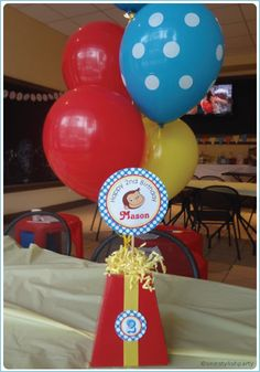 Curious George Party Centerpiece by One Stylish Party featured on Ideas in Blume… Curious George Party, Curious George Birthday, Birthday Table, Baby 1st Birthday, Boy Birthday Parties, Birthday Ideas, Birthday Cakes, Party Centerpieces, First Birthdays