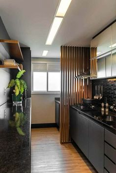 Cozinha Preta: +148 Ambientes e Dicas de Decoração para 2021 Kitchen Room Design, Home Room Design, Kitchen Cabinet Design, Modern Kitchen Design, Home Decor Kitchen, Interior Design Kitchen, Home Kitchens, House Design, Decorating Kitchen