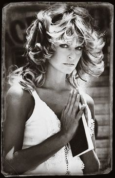 Farrah Fawcett Farrah Fawcett - - View this photo on Flickr: http://charliesangels76-81.com/wp-content/plugins/justified-image-grid/download.php?file=https%3A%2F%2Ffarm5.staticflickr.com%2F4577%2F26937376539_d495588ee9_o.jpg