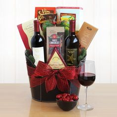 Jingle All The Way: Holiday Wine Gift Basket-Jingle All The Way: Holiday Wine Gift BasketsThis elegant gift of California red wine and savory snacks i Wine Gift Baskets, Christmas Gift Baskets, Basket Gift, Raffle Gift Basket Ideas, Raffle Ideas, Wine Christmas Gifts, Holiday Gifts, Homemade Christmas, Vino Y Chocolate