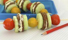 Svačinkové špízy do školy jsou skvělou náhradou za nudný rohlík s máslem. Jsou zdravé a chutné, pro děti to nejlepší. tescorecepty.cz - čerstvá inspirace.