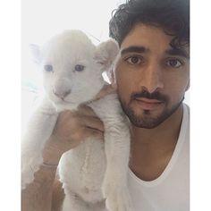 Hamdan bin Mohammed bin Rashid Al Maktoum con Ghost, 05/03/2016. Vía: faz3