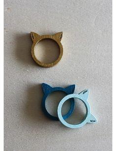 REF 022 anillo orjas gato: Anillos en madera por tallas con forma de orejas de gato, ensamblado a mano.... http://vintare.co/index.php/mujeres/accesorios/product/828-ref-022-anillo-orjas-gato