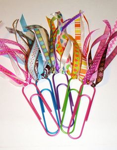 Several super-cute and easy (most are no-sew) DIY bookmarks... Especially love this cheerful ribbon-paperclip version!