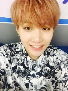 "BTS Weibo -- Suga (selca) -- [tran] ""#BangtanBoys #SUGA Hong Kong... Hang in there... Genius MinSuga is coming!""   -- cr :ARMY Base (@bangtanitl)"