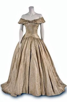 Audrey Hepburn's dress as 'Princess Ann' - 1953 - Roman Holiday - Costume design by Edith Head - Bunka Gakuen Costume Museum