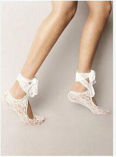 2016 Hottest White Lace Wedding Shoes Socks Custom Made Dance Shoes Activity Socks Bridal Shoes Beach Wear Ribbon Lace Up Socks