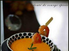 Velouté de courge au lait de coco, citronnelle et gingembre Cuisine Diverse, Fondue, Lunch, Cheese, Sachets, Ethnic Recipes, Easy, Lemon Grass, Cream Soups