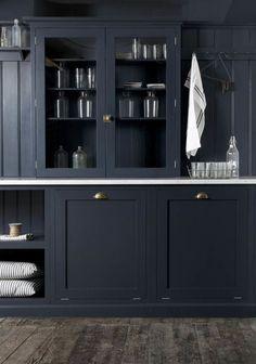 Cuisine classique et moderne #modern #pretty #navy #blue #kitchens…