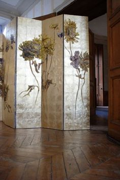 A sense of luxury, copper inlaid screen Claire Basler Folding Screen Room Divider, Folding Screens, Room Dividers, Panel Divider, Chinoiserie, Decorative Screens, Arte Floral, Paint Furniture, French Artists
