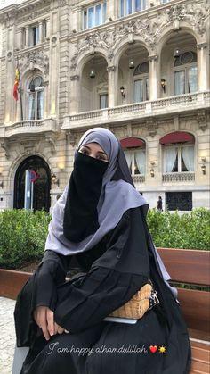 Niqab Fashion, Street Hijab Fashion, Modesty Fashion, Muslim Fashion, Hijabi Girl, Girl Hijab, Islamic Girl Pic, Hijab Fashionista, Muslim Beauty