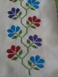 This Pin was discovered by Nur Cross Stitch Pillow, Cross Stitch Bookmarks, Cross Stitch Rose, Cross Stitch Borders, Cross Stitch Flowers, Cross Stitch Designs, Cross Stitching, Cross Stitch Patterns, Towel Embroidery