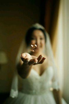 creative wedding photography ideas for every wedding photoshoot page 16 Wedding Photography Checklist, Creative Wedding Photography, Indian Wedding Photography, Mehendi Photography, Couple Photography, Photography Basics, Photography Sketchbook, Photography Pricing, Engagement Photography