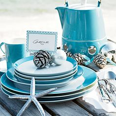 How to host the perfect holiday party: Use replaceable dishware and machine-washable linens to ensure no spill or break is a catastrophe.