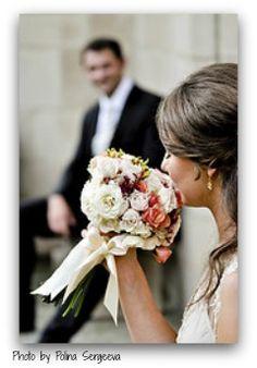 Wedding Flowers, UK (Photo by: Polina Sergeeva) Red Wedding, Wedding Tips, Floral Wedding, Perfect Wedding, Wedding Blog, Wedding Colors, Wedding Photos, Wedding Reception Planning, Wedding Planning Guide
